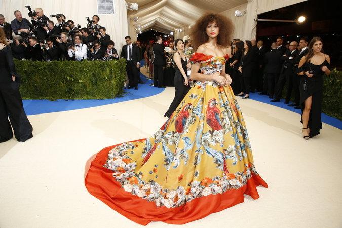 Zendaya in Dolce & Gabbana Alta Mods