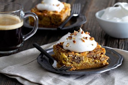 Pumpkin-Pecan-Crunch-Cake